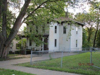 Davenport Single Family Home For Sale: 828 Tremont Avenue