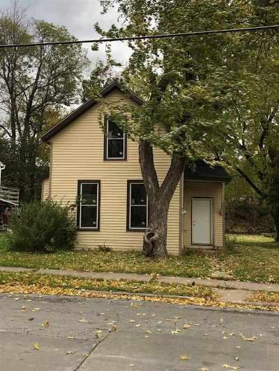 Davenport Single Family Home For Sale: 655 Cedar Street