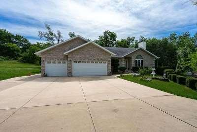 Davenport Single Family Home For Sale: 523 Wisconsin Avenue