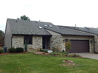 bettendorf Condo/Townhouse For Sale: 3323 E Ridge Place