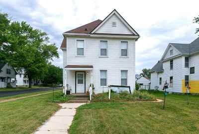 Davenport IA Single Family Home For Sale: $68,500
