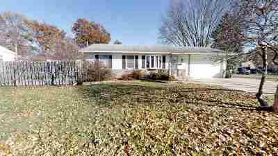 Davenport IA Single Family Home For Sale: $146,900
