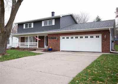 Davenport IA Single Family Home For Sale: $299,900