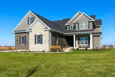Davenport IA Single Family Home For Sale: $437,500