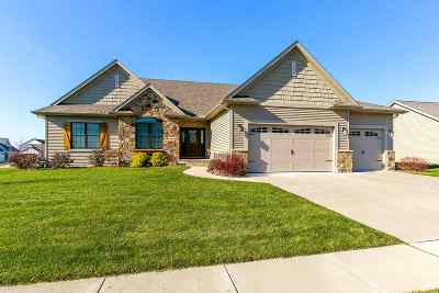 Bettendorf Single Family Home For Sale: 6608 Prairie Grass Lane