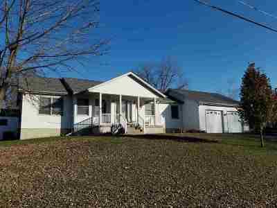 bettendorf Rental For Rent: 3455 W Harbor Drive