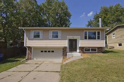 Bettendorf Single Family Home For Sale: 3930 18th Street