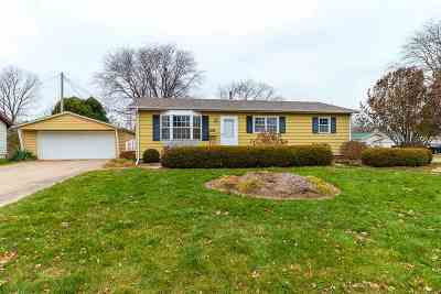 bettendorf Single Family Home For Sale: 2356 Hawthorne Court