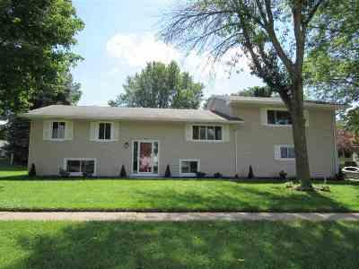 Bettendorf Single Family Home For Sale: 1503 Tanglefoot Lane