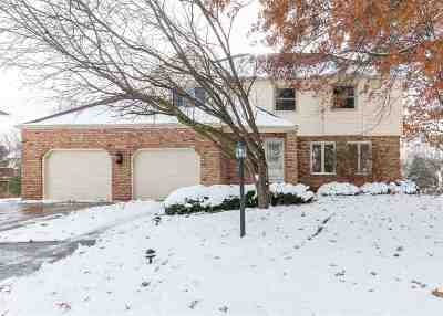 Bettendorf Single Family Home For Sale: 1645 Queens Drive