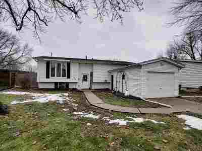 Bettendorf Single Family Home For Sale: 1871 Bristol Drive