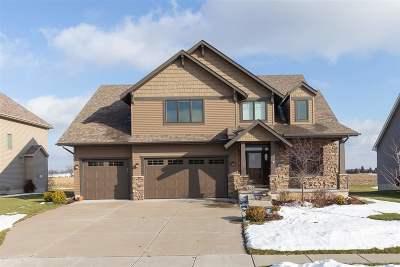 Bettendorf Single Family Home For Sale: 6623 Prairie Grass Lane