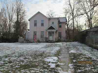 Davenport IA Single Family Home For Sale: $29,900
