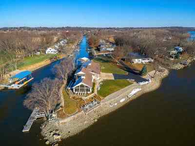 Bettendorf Single Family Home For Sale: 3308 E Harbor Drive