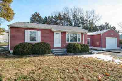 Davenport IA Single Family Home For Sale: $103,000