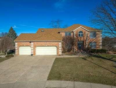 Davenport IA Single Family Home For Sale: $370,000