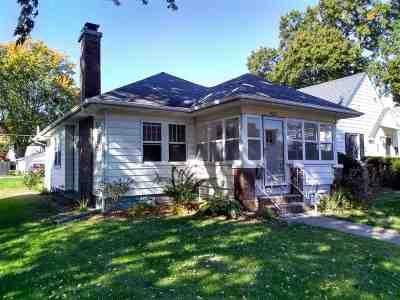 Davenport IA Single Family Home For Sale: $131,900