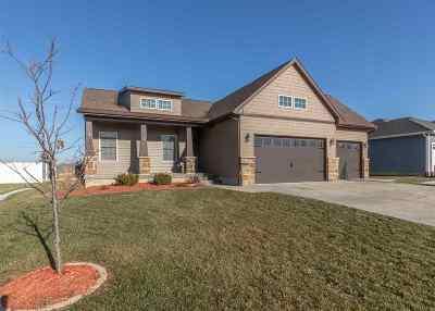 Bettendorf Single Family Home For Sale: 4264 Colorado Drive