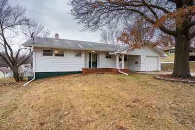 Davenport IA Single Family Home For Sale: $142,500