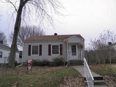 Davenport IA Single Family Home For Sale: $96,000