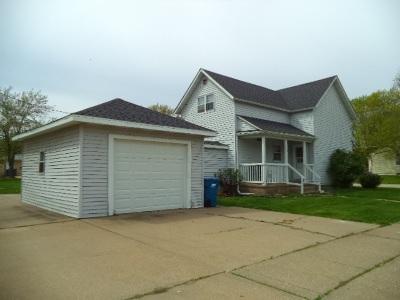 Eldridge Single Family Home For Sale: 219 Donahue Street