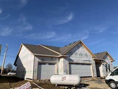 Bettendorf Single Family Home For Sale: 5762 Danielle Drive