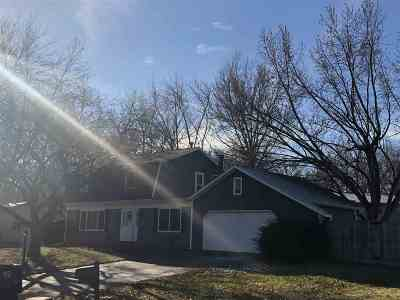 Bettendorf Single Family Home For Sale: 5133 Coachman Road
