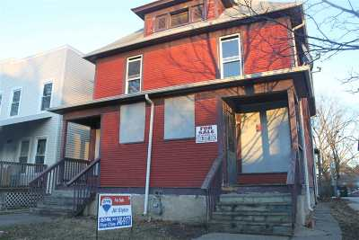 Davenport Single Family Home For Sale: 1211 College