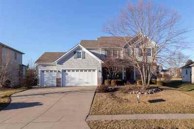 Bettendorf Single Family Home For Sale: 3272 Valleywynds Drive