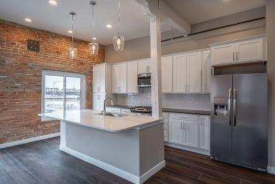 Davenport Condo/Townhouse For Sale: 210 E River Drive