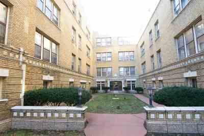 Davenport Condo/Townhouse For Sale: 2506 N Harrison Street
