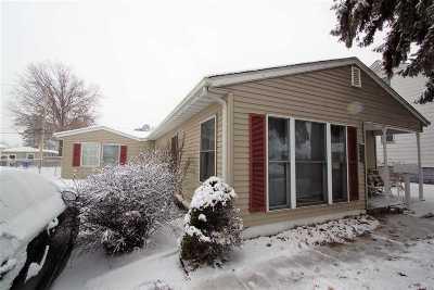 Bettendorf Single Family Home For Sale: 2136 Central Avenue
