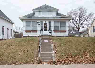 Davenport IA Single Family Home For Sale: $112,500