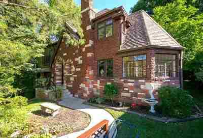 Davenport IA Single Family Home For Sale: $325,000