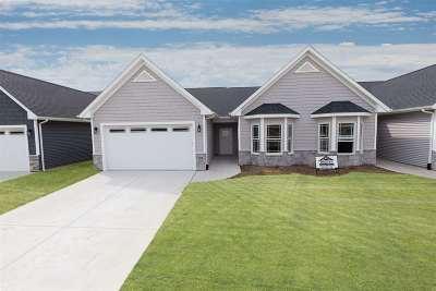 Bettendorf Condo/Townhouse For Sale: 5160 Pandit Drive