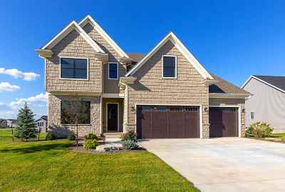 Bettendorf Single Family Home For Sale: 5868 Settler's Pointe Circle