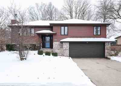 Bettendorf Single Family Home For Sale: 3275 Halcyon Drive