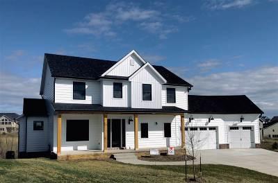 Bettendorf Single Family Home For Sale: 6045 Caspian Court