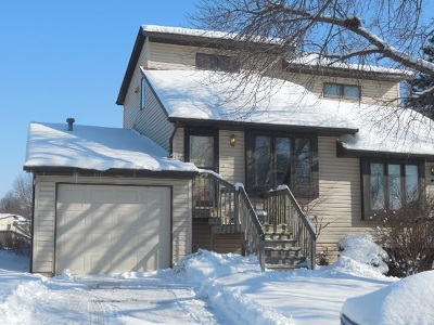 Bettendorf Condo/Townhouse For Sale: 3479 Clearwater Drive