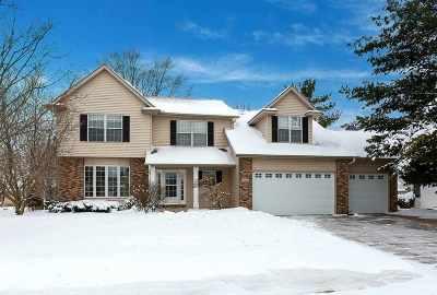 Bettendorf Single Family Home For Sale: 5097 Charter Oaks Drive