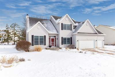 Bettendorf Single Family Home For Sale: 5021 Mayfield Drive