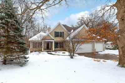 Bettendorf Single Family Home For Sale: 6859 Little Cabin Road