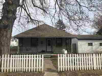 Davenport IA Single Family Home For Sale: $87,500