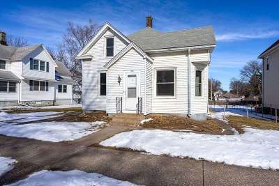 Davenport IA Single Family Home For Sale: $123,900
