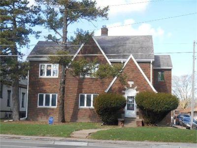 Davenport Multi Family Home For Sale: 2632 Harrison Street