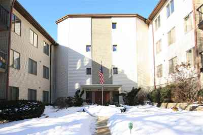 Condo/Townhouse For Sale: 1022 Hickory Hill Court