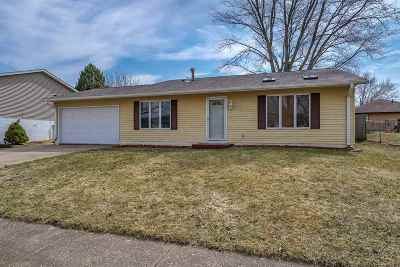 Davenport IA Single Family Home For Sale: $140,000