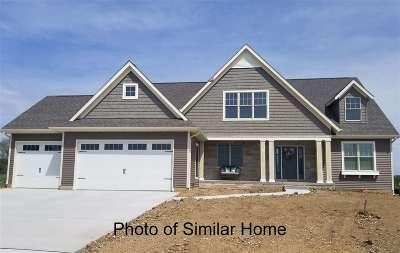 Bettendorf Single Family Home For Sale: 4781 Hidden Lake Court
