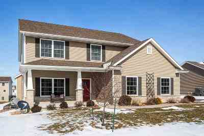 Bettendorf Single Family Home For Sale: 4368 Tranquility Trail