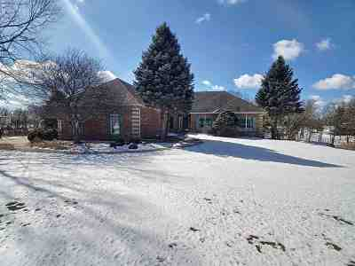 Bettendorf Single Family Home For Sale: 25053 189th Street